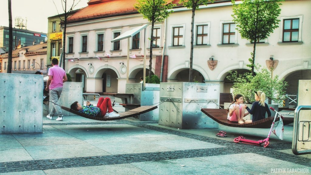 Czy Kielce są dobrym pomysłem na zorganizowanie wycieczki? Kilka cech którymi wyróżnia się stolica województwa świętokrzyskiego? Najlepsze miejsca do które warto pójść w Kielcach!
