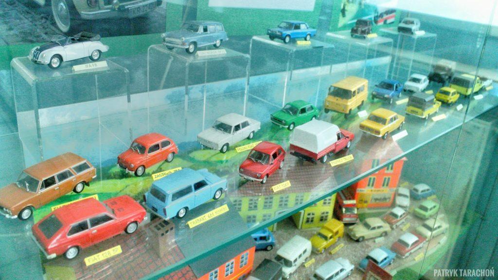 Jakie eksponaty czekają w muzeum zabawek? Ile czasu zajmuje zwiedzanie muzeum z zabawkami? Jak wygląda Muzeum Zabawek i Zabawy w Kielcach? Zabawki które przywołują wspomnienia i wywołują lęk!