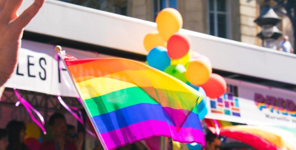Dlaczego ludzie chcą brać udział w Paradzie Równości? Skąd nienawiść do osób LGBT? Z jakich powodów, mamy awersje do homoseksualistów!