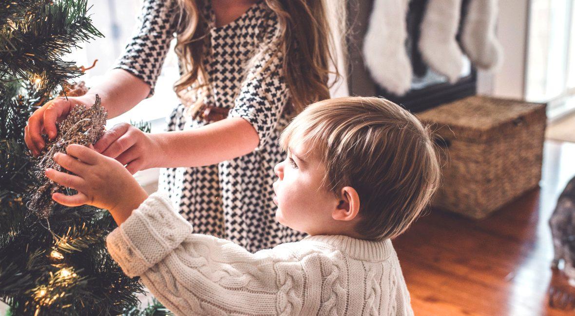 W jaki sposób wyglądają święta w polskiej rodzinie? Dlaczego święta są magicznym czasem? Poznaj jakie świąteczne anegdoty dla Ciebie przygotowaliśmy!