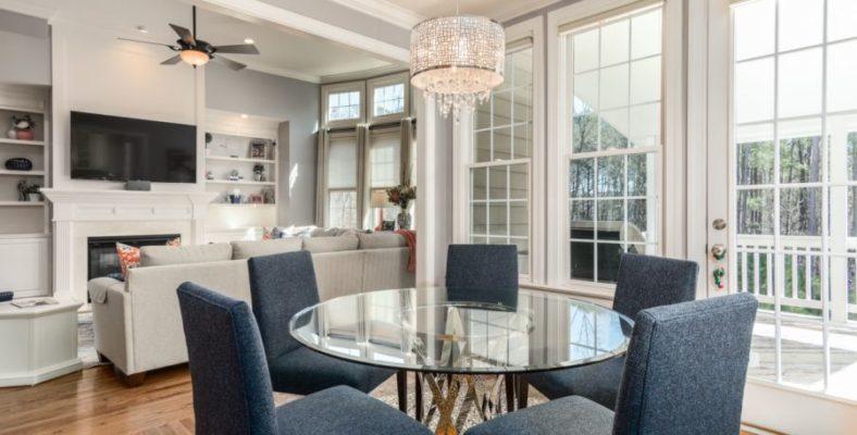 Jak zaoszczędzić przy umeblowaniu domu? Jakie patenty warto zastosować przy organizacji mieszkania? Ciekawe rozwiązania do domu i ogrodu!