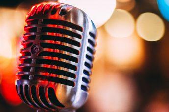 Którzy podcasterzy są najlepsi w Polsce? Dlaczego warto słuchać podcastów? Które podcasty słuchają Polacy? Najlepsze Podcasty w Polsce!