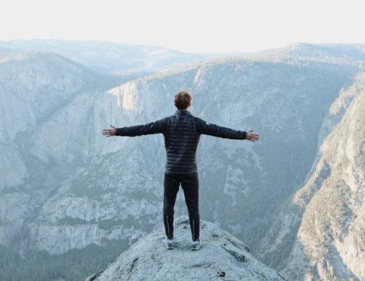 Jak zmienić negatywne myślenie? Jak nauczyć się myśleć pozytywnie? Proste kroki na poprawę podejścia do samego siebie!