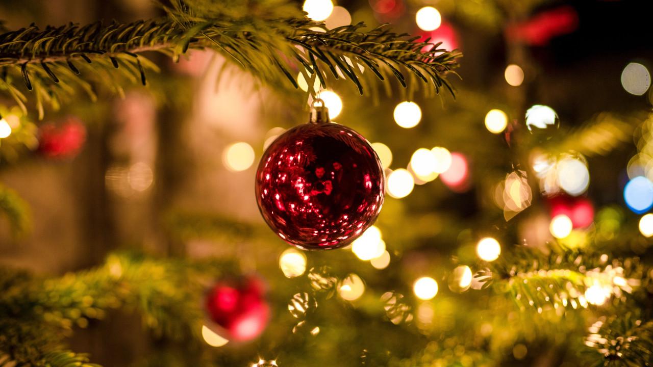 Dlaczego warto zacząć kupować prezenty świąteczne wcześniej? Co warto kupić na święta? O czym pamiętać szukając prezentów!
