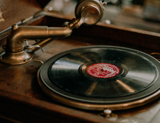 Czym różniły się poszczególne odtwarzacze muzyczne? Jak przebiegał rozwój odtwarzaczy w ciągu ostatnich 20 lat? Wspominamy dawną technologię!