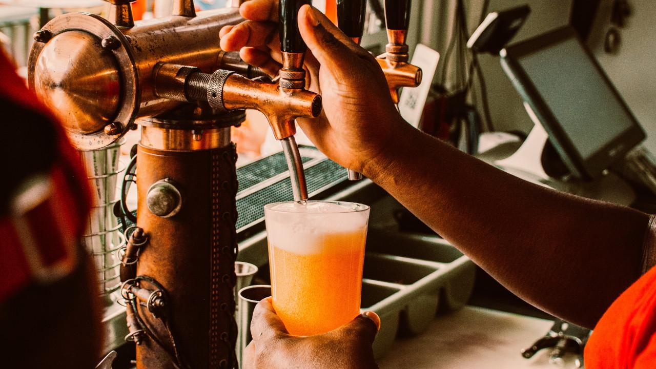 Jak alkohol wpływa na kreatywność i postrzeganie świata? Jakie zalety i wady ma spożywanie alkoholu? Prawdziwa natura alkoholu!